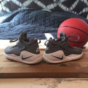 Basketball GS Nike Kwazi Shoes Youth kXPZiuOT